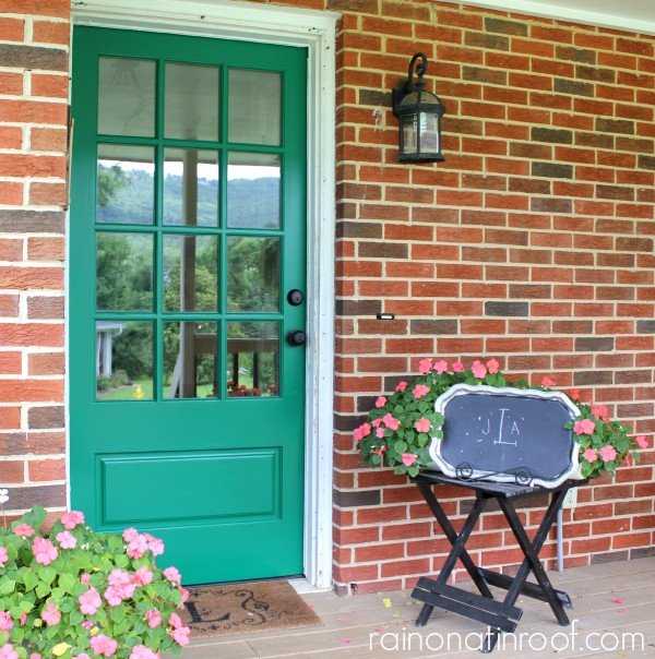 Emerald Green Front Door {rainonatinroof.com} #emerald #frontdoor