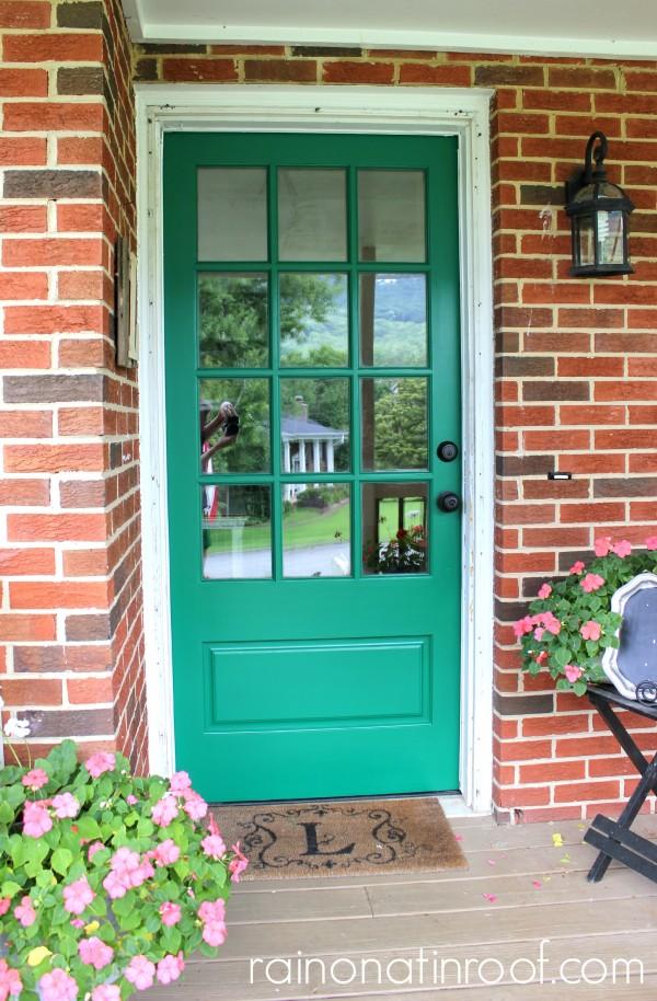 Emerald Green Front Door {rainonatinroof.com} #emerald #frontdoor