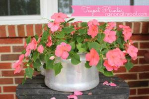 Teapot Planter - how adorable!