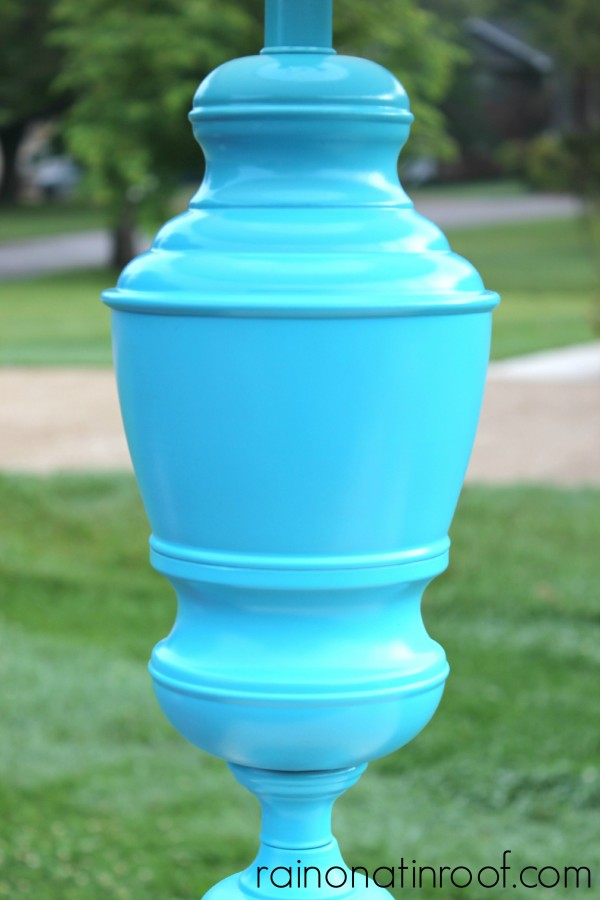Aqua Spray Painted Lamp Makeover {rainonatinroof.com} #aqua #spraypaint #lamp