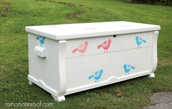 Chest Makeover {rainonatinroof.com}