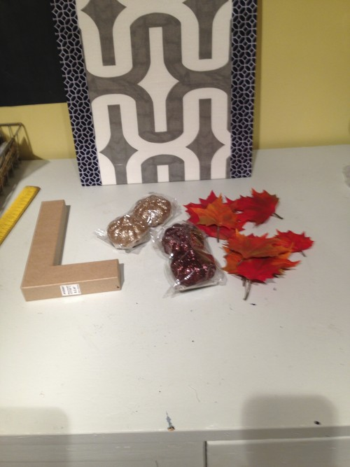 Fall Door Decor {rainonatinroof.com} #falldecor #wreath #fall