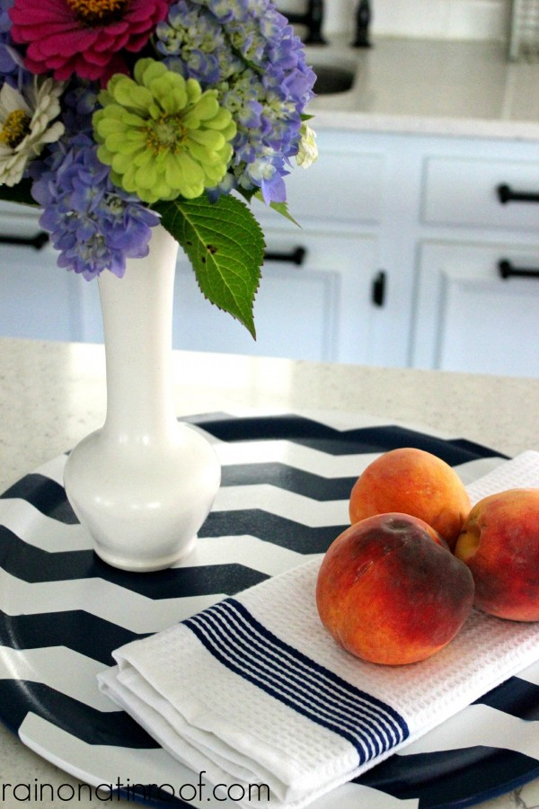 Chevron Tray via rainonatinroof.com