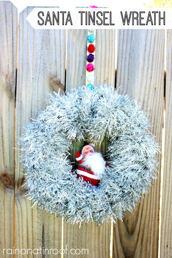 Upcycled Wreath Holder via rainonatinroof.com #wreath #holidays