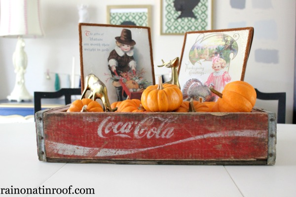 Simply Thankful: Simple Thanksgiving Centerpiece, Chalkboard and Random Things I'm Thankful For via rainonatinroof.com