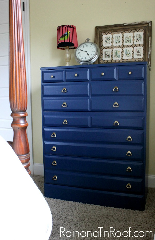 Navy and Gold Chest Makeovers via RainonaTinRoof.com #furnituremakeover #homeright #finishmax