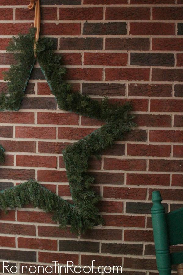 Eclectic Christmas Home Tour via RainonaTinRoof.com #christmas #hometour