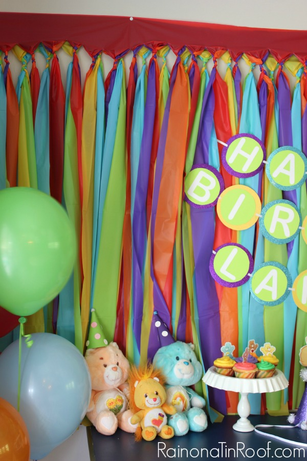 Easy (and Cheap!) Party Backgrounds via RainonaTinRoof.com #diypartydecor #background #backdrop #party