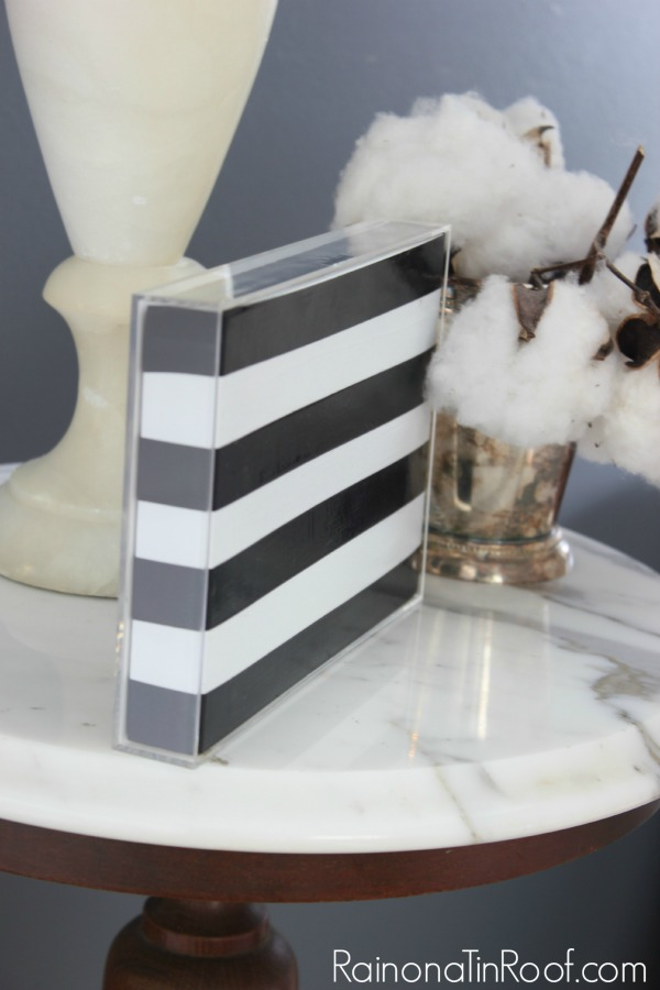 Kate Spade Knock-Off Photo Frame via RainonaTInRoof.com #katespade #knockoff #photo #diy #craft