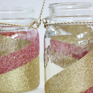 How to Glitter Mason Jars