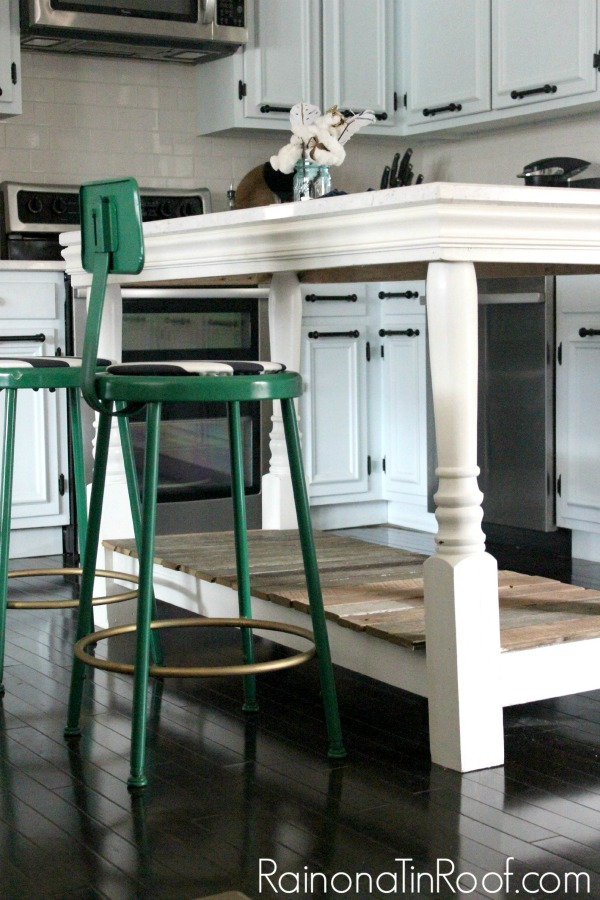 My Signature Style: Vintage Modern Rustic via RainonaTinRoof.com #homedecor