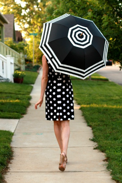 14 Black and White DIY Projects - Painted Black and White Umbrella