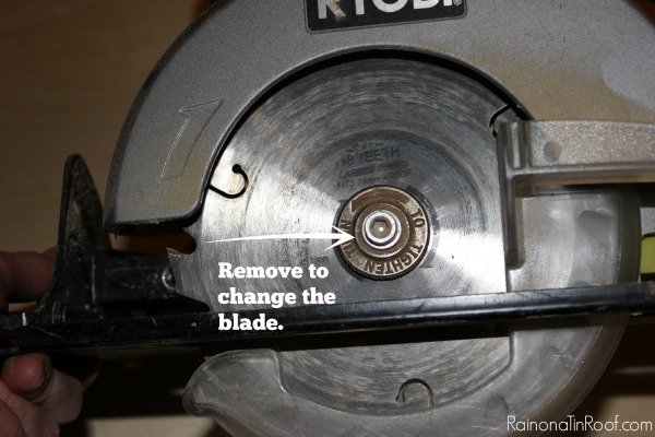 Power tools 101 how to use a circular saw this is like using a circular saw for dummies great basic info power tools greentooth Images
