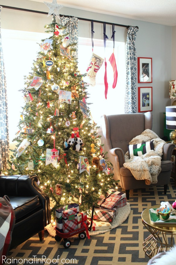 Full of simple and cute ideas that anyone can do! Red, Green and Navy Christmas Home Tour via RainonaTinRoof.com