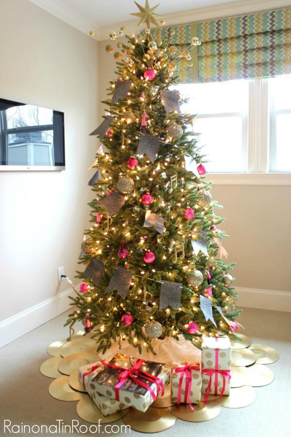 grammy-music-christmas-tree