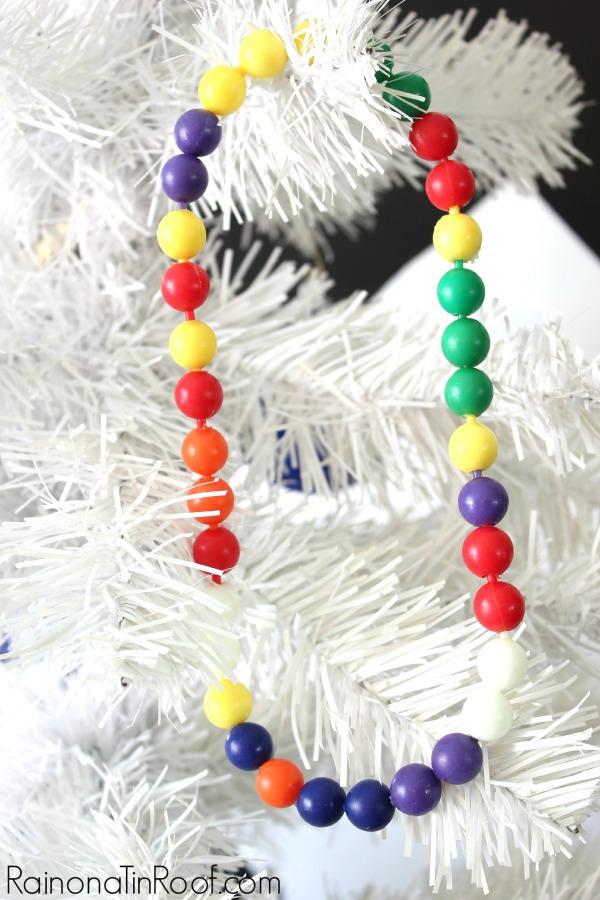GREAT way to really make your Christmas tree special! 7 Unusual but Meaningful Ornaments You Have Around the House via RainonaTinRoof.com