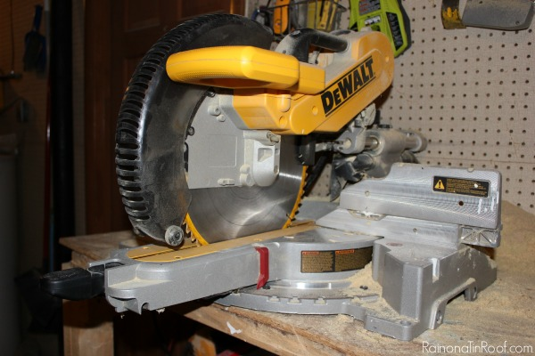 How to use a miter saw power tools 101 power miter saw greentooth Image collections