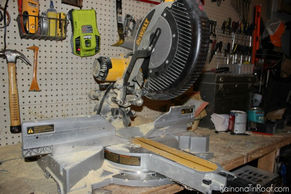How to Use a Miter Saw: The Basics of Using a Miter Saw for Beginners