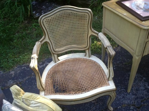 chair-makeover-before-1