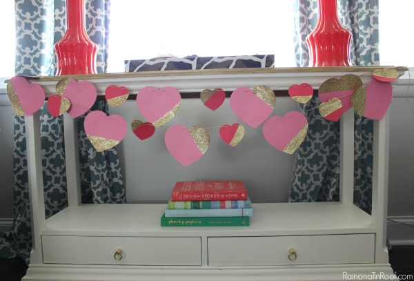Adorable and super easy to make valentine garland - everything you need is in the package! Valentine Cards and Decor in an hour