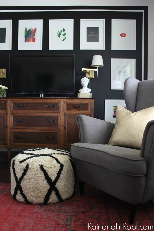 Stunning black and white gallery wall simple to do such a great accent wall