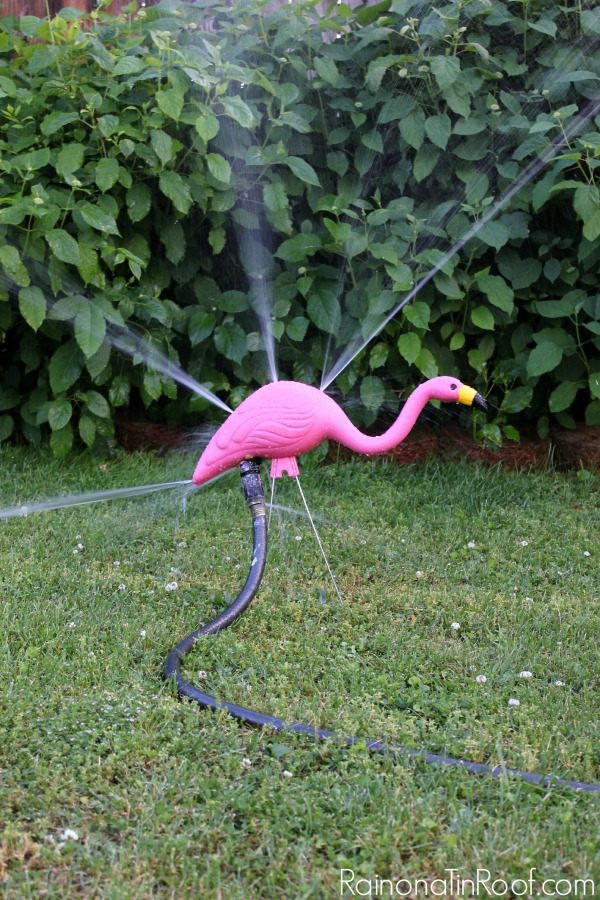 Oh my goodness!! How awesome is this - a flamingo sprinkler!