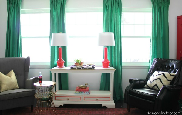 Living Room Design Ideas Kelly Green Curtains With Coral Lamps