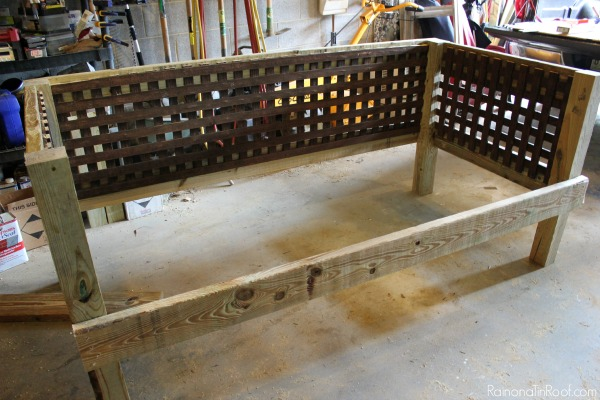 DIY Outdoor Daybed / How to make an outdoor daybed