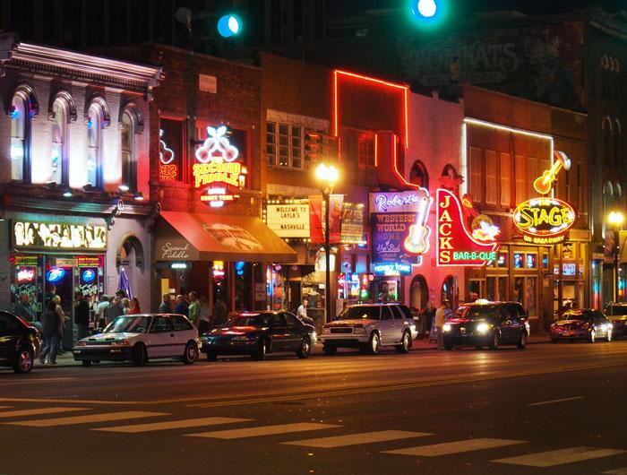 Things to do in Nashville TN • Nashville Attractions • Fun things to do in Nashville • Nashville Tourism • Nashville TN Attractions • Broadway
