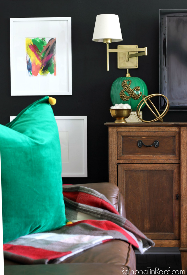 Fall Home Tour with simple fall decorating ideas / Green Velvet Pillow / Plaid Throw