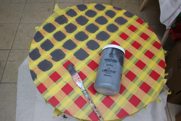 How To Paint a Plaid Pattern WITHOUT Measuring - you will not believe how easy it is! Furniture Makeover | Furniture Painting | DIY Projects | Plaid Pattern