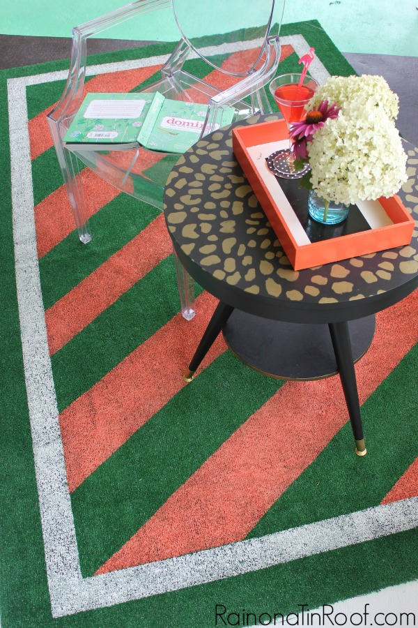 Wall Painting Ideas and Paint Designs ANYONE Can Do! This article is FULL of DIY painting ideas including wall painting techniques, wall painting designs and other painting ideas like this painted astroturf rug!