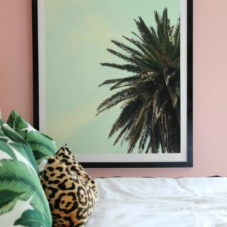 If you don't want to pay $150+ for large frames, this project is a must! It's an EASY DIY project and will only cost about $25 or less to make! How to Make a Huge Frame for Cheap | DIY Picture Frame | DIY Frame | DIY Art | DIY Wall Decor | DIY Wall Frame
