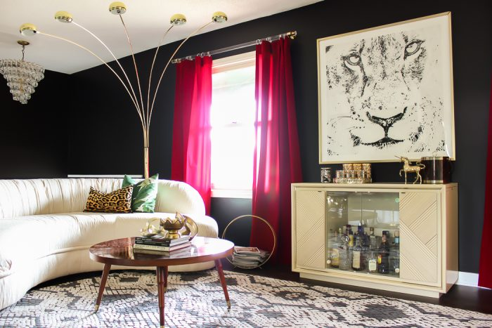 Living Room Ideas | Black and White Interior Decorating | Vintage Decor | Retro Decor | Black Walls | Glam Interior Decorating