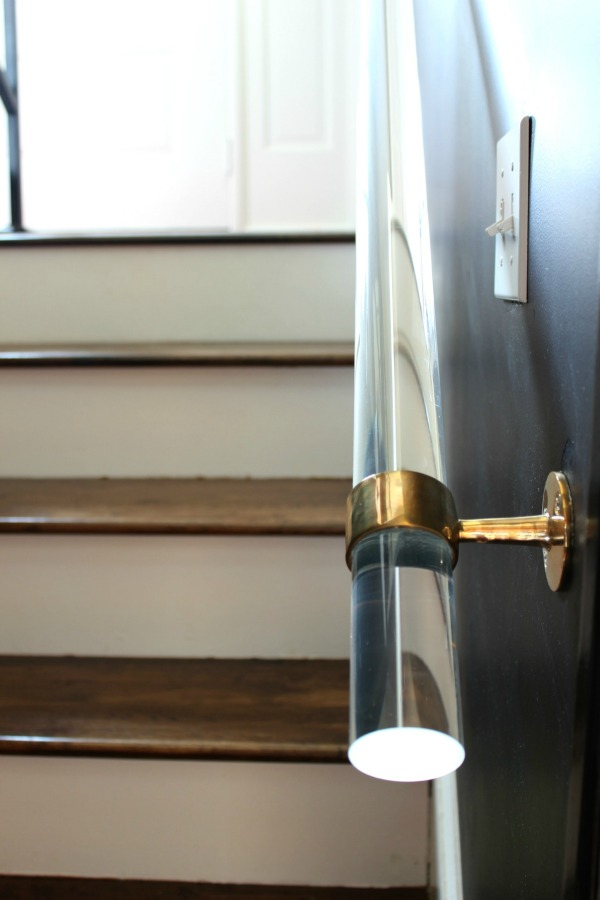 It's so easy to DIY your own and much cheaper than buying one already made! DIY Lucite Handrail | Acrylic Handrail | Lucite Home Decor | Stairwell