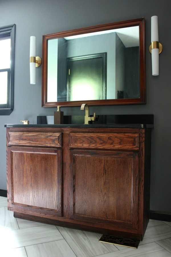 This is a really simple way to hang heavy art and pictures. It's also really secure! The Easiest Way to Hang Heavy Pictures and Other Heavy Wall Decor   Masculine Bathroom   How to hang a heavy mirror   How to hang heavy objects   How to hang heavy things