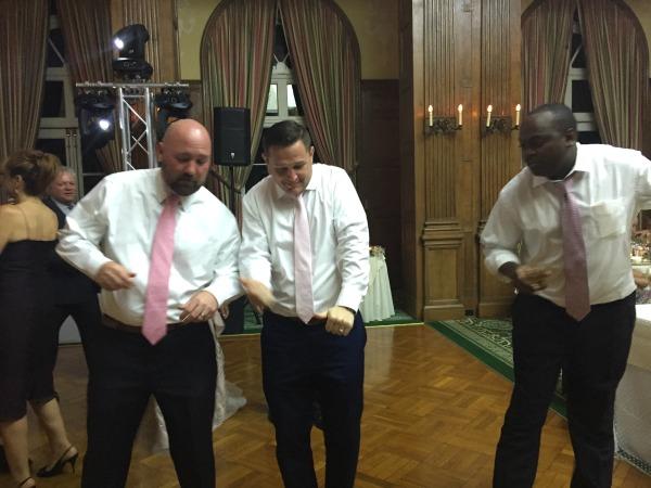 guys-dancing