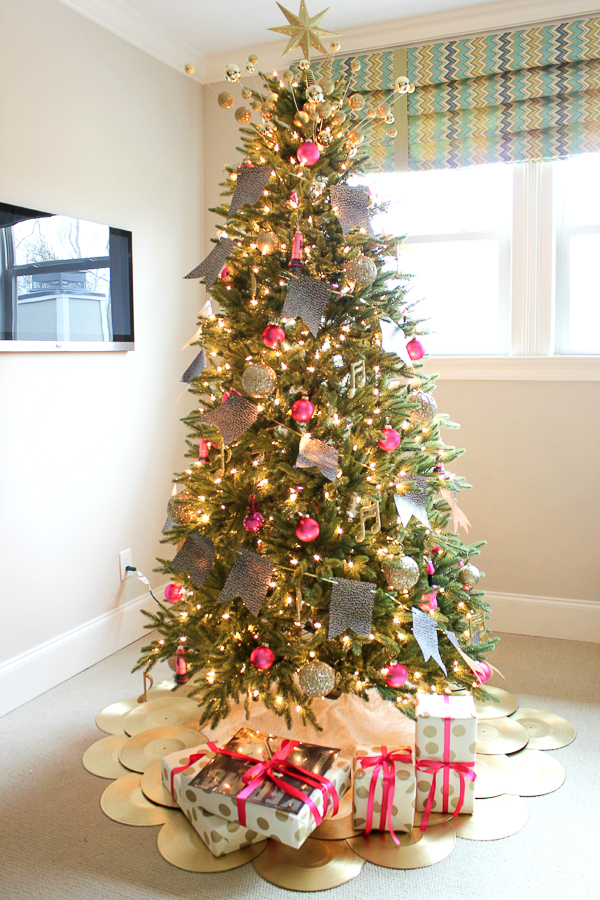 DIY Christmas Tree Skirt Ideas