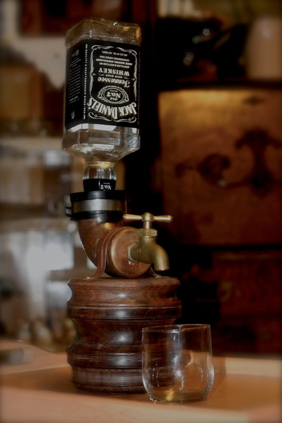 Gift Ideas for Whiskey Drinkers