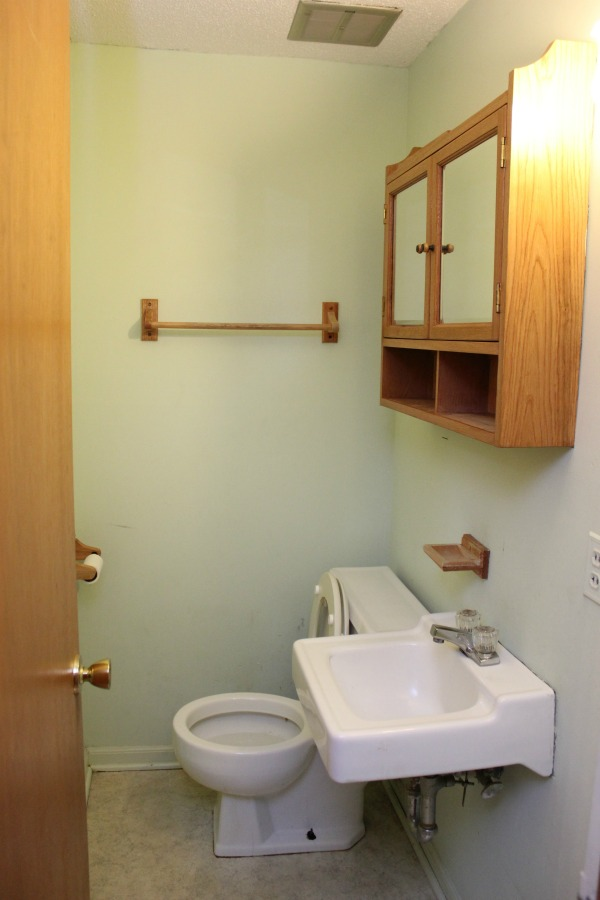 Low Budget Half-Bath Remodel: The Before