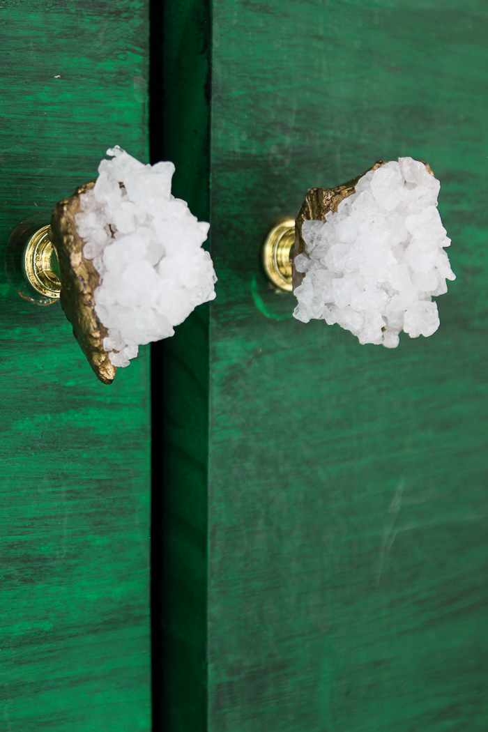 Give your furniture doors and drawers a touch of affordable glam with these easy to make DIY faux crystal knobs! It will take less than 10 minutes!