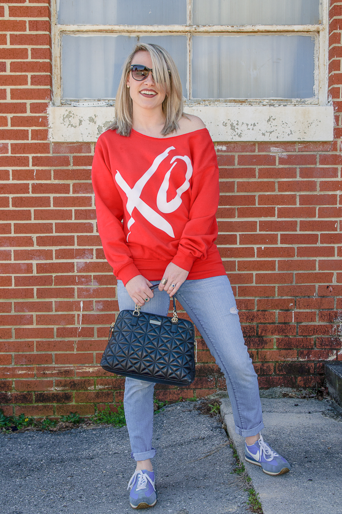 Slouchy Chic | Slouchy Sweatshirt Outfit | Slouchy Sweatshirt Off Shoulders | Light Colored Jeans Outfit | Dressed Up Jeans and Sweatshirt Outfit