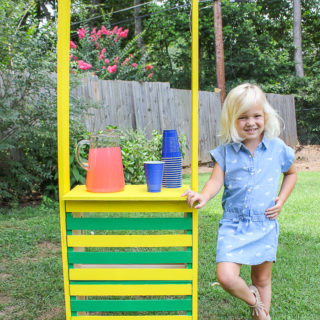 DIY Lemonade Stand made from Crates - Rain on a Tin Roof