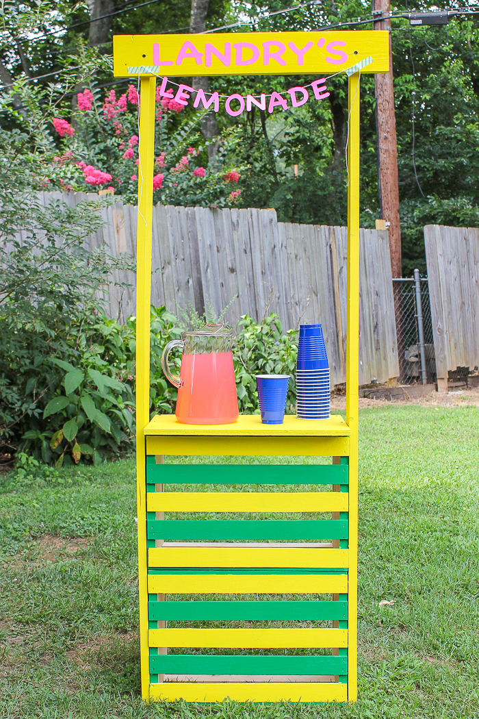 DIY Lemonade Stand: Super Easy to Build Kids Lemonade Stand