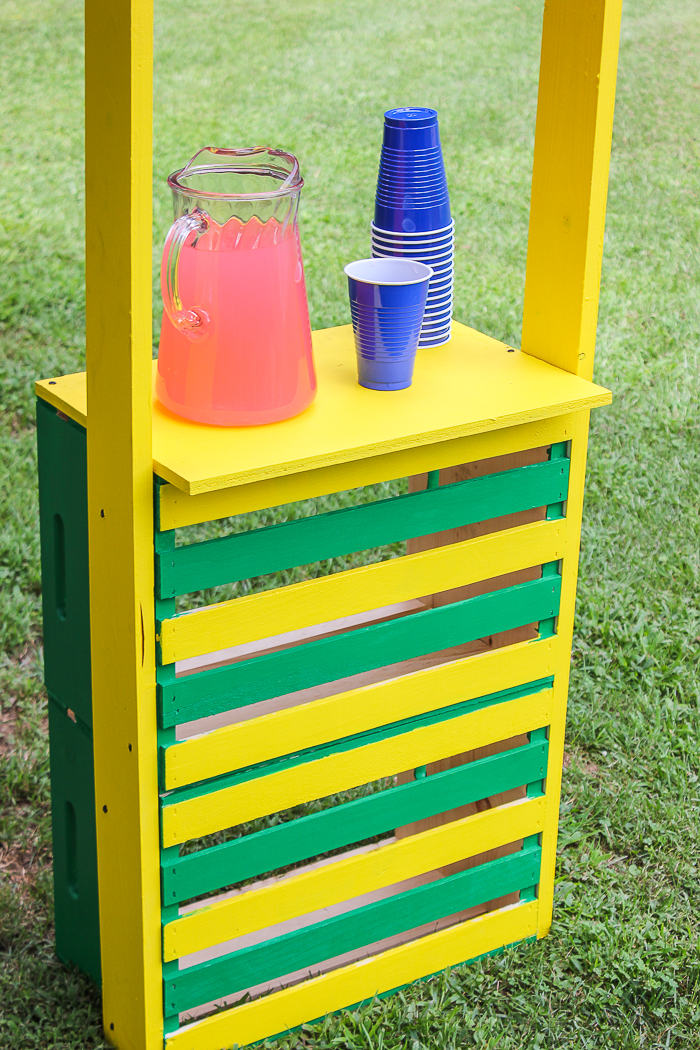 cute lemonade stand - diy project to make for your kids - Rain on a Tin Roof