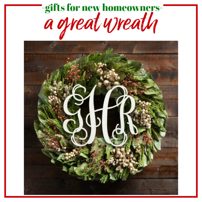 Gifts for New Homeowners - a great wreath.