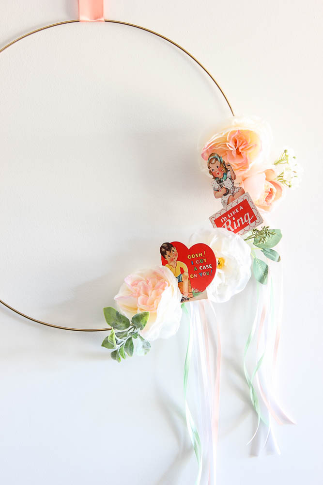 Simple Vintage Valentines Wreath - 10 minutes to make, uses printable valentines.