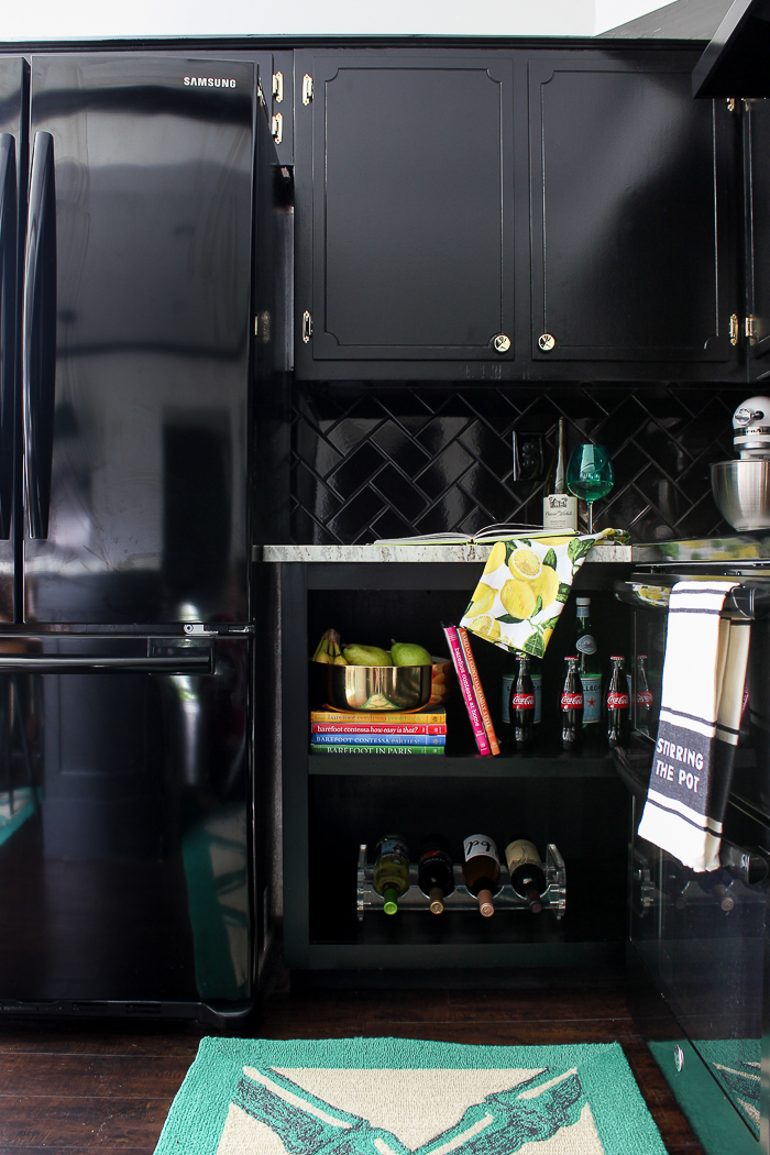 What Type Of Paint For Kitchen Cabinets Black In Rain On A