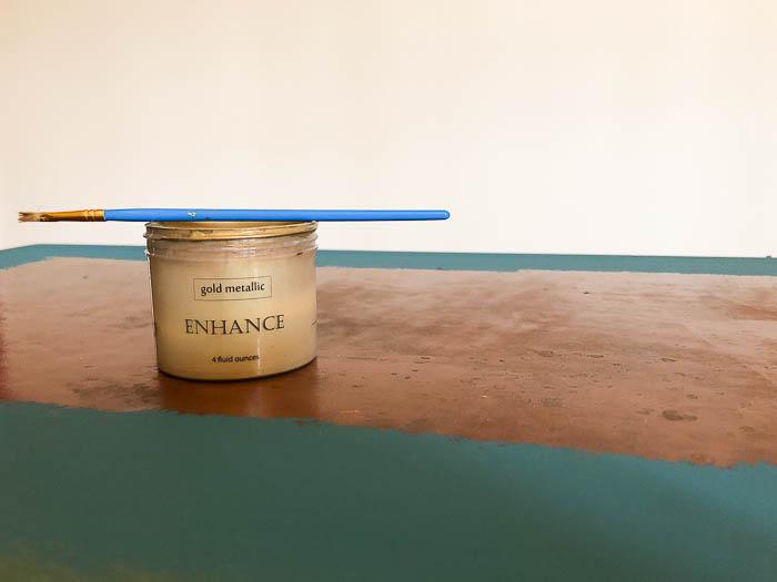 Velvet Finishes Enhance Metallic Glaze