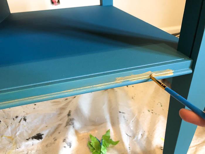 Velvet Finishes Enhance Metallic Glaze - applying.
